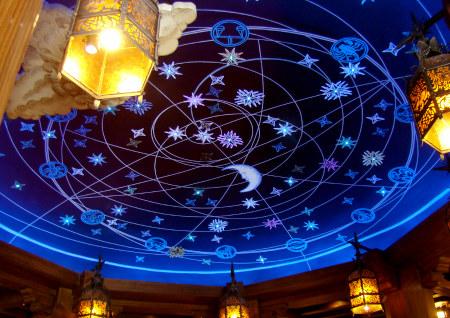 04フォートレスの船天井.jpg