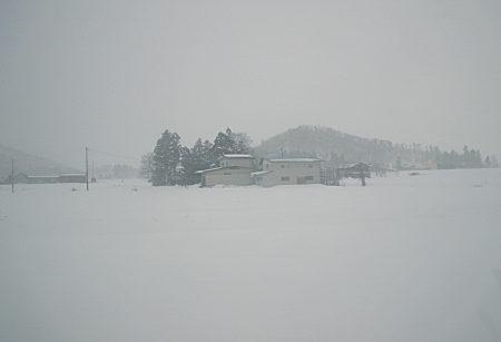 11車窓の雪風景01.jpg