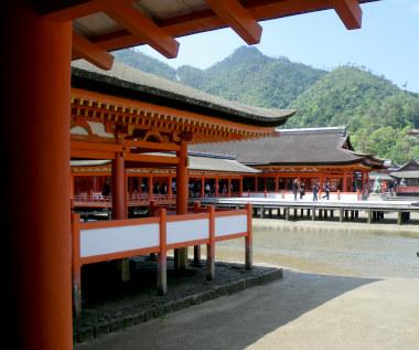 16広島03神社.jpg